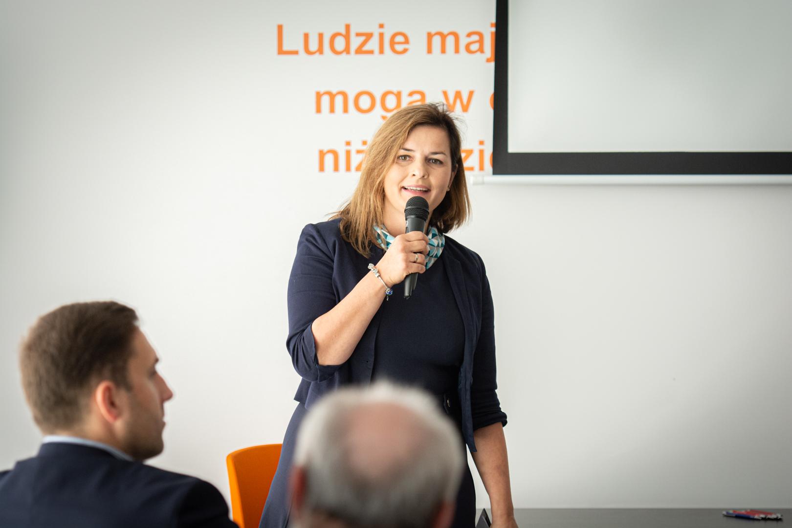 Na zdjęciu prowadząca konferencję Agnieszka Marusiak z Centrum Rozwoju Talentów