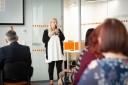 Założenia projektu ambasadorskiego przedstawiła w trakcie prelekcji Kariona Chamier-Ciemińska, kierownik CRT, na pierwszym planie uczestnicy konferencji