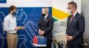 Na zdjęciu od lewej, przedstawiciel firmy JohnnyBros, Roland Budnik oraz Tomasz Limon
